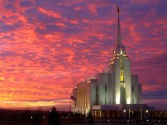 The sky colors are absolutely stunning.   Rexburg Idaho Mormon/LDS Temple