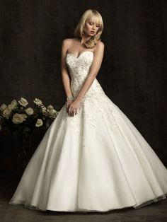 Allure 8910 Wedding Dress and bridal gown. #wedding #Bridal #weddingdress #bridaldress #whitedress #allurebridal