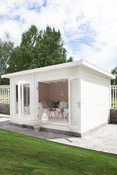 Backyard Office, Backyard House, Small Backyard Landscaping, Tiny House Cabin, Cozy House, Summer House Garden, Home And Garden, Cozy Home Office, She Sheds