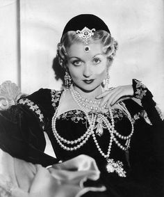 Constance Bennett in The Affairs of Cellini  (Gregory La Cava, 1934)