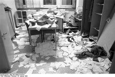 Gestürmte Stasi-Zentrale (© Bundesarchiv, Bild 183-1990-0116-014, Foto: Thomas Uhlemann)