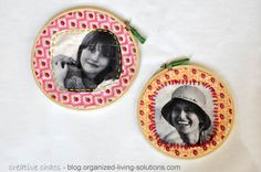 organized living solutions: Embroidery hoops used as picture frames - a DIY