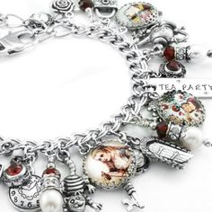Oh my goodness! I want this!! Alice in Wonderland Jewelry