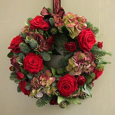 Roses and Hydrangeas Wreath (Not on the High street, via StylIzimo blog)