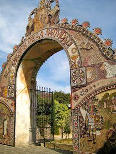 Entrada de Iglesia en Tepoztlán, México