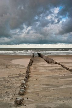 Dec 31 2019 - Golfbrekers in het Domburgse strand - Light And Shadow Photography, Beautiful Ocean, Sky And Clouds, Beach Art, Nature Pictures, Beautiful Landscapes, Seaside, Netherlands, Coastal