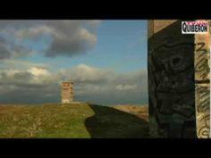 http://www.carnactv.com Reportage TV Quiberon 24/7 - 21 Novembre 2013 - Les Blockhaus du Bégo à Plouharnel dans le Morbihan en Bretagne sud se dégradent de plus en plus, livrés aux squatters et aux taggers. Le site du Bego compte près de 180 ouvrages bétonnés disséminés dans la dune de Plouharnel
