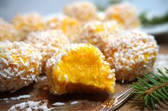 Candy Recipes, Holiday Recipes, Sweets From Heaven, 5 Ingredient Desserts, Grandma Cookies, Yellow Foods, Christmas Baking, Christmas Cookies, Vegan Desserts
