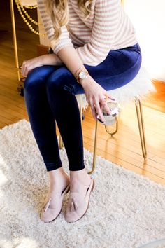 New year's eve outfit inspiration | holiday party outfit idea | navy velvet leggings | suede mules