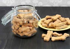 Pumpkin Dog Biscuits, Pumpkin Dog Treats, Diy Dog Treats, Diy Pumpkin, Homemade Dog Treats, Dog Treat Recipes, Healthy Dog Treats, Peanut Butter Banana, Creamy Peanut Butter