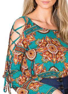 Discover thousands of images about Blusa com Alças Detalhe Decote Azul Lunender - Posthaus Kurti Sleeves Design, Sleeves Designs For Dresses, Dress Neck Designs, Kurta Designs, Blouse Designs, African Fashion Dresses, Hijab Fashion, Fashion Outfits, Mode Hijab