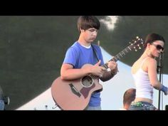 Unbelievable 15 yr. old guitarist!!! Ben Lapps fast acoustic shredding - phunkdified justin king