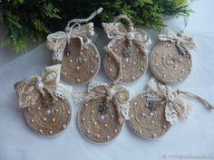 DIY Video: a Christmas Decoration of Twine, фото № 3 Country Christmas Crafts, Rustic Christmas Ornaments, Burlap Christmas Tree, Country Christmas Decorations, Xmas Crafts, Homemade Christmas Tree, Christmas Diy, Diy Weihnachten, Creations