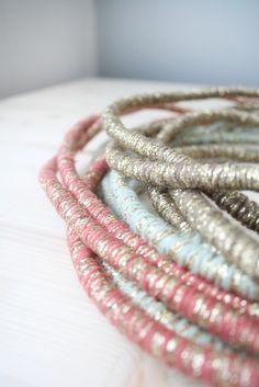 Baladeuse cordon en laine et lurex  | LES PETITS BOHEMES
