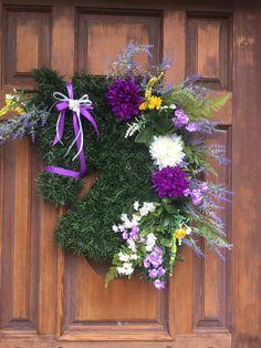Items similar to Horse Wreath/Horse Head Wreath on Etsy Horse Head Wreath, Pine Garland, Dressage Horses, Rosettes, Craft Supplies, Wreaths, Plants, Handmade, Etsy
