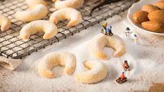 Vanillekipferl / Vanillehörnchen | Ein köstlicher Klassiker: Entdecke ein feines Backrezept für Vanillekipferl oder Vanillehörnchen. Und dazu gibt es ein allerliebstes Foto.