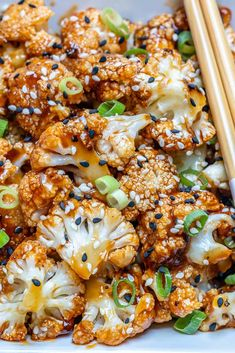 Sweet and Spicy Baked Cauliflower sweet and spicy cauliflower Vegetarian Cauliflower Recipes, Spicy Cauliflower, Cauliflower Dishes, Vegetarian Recipes Easy, Veggie Dishes, Cooking Recipes, Healthy Recipes, Ways To Cook Cauliflower, Vegetarian Keto