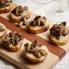 Cheesy-Mushroom-Crostini