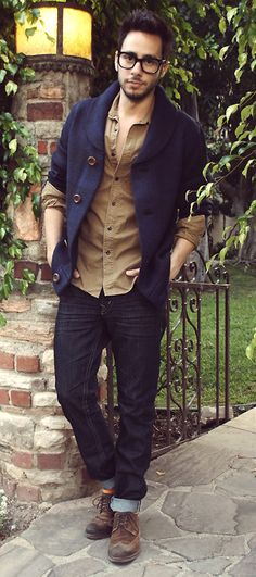 http://chicerman.com  the-suit-men:  Follow The-Suit-Men for more menswear inspiration.Like the page on Facebook!  #menscasual