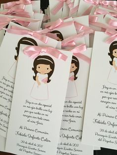 First Communion Favors Remembrance cards Bookmarks First Communion Decorations, First Communion Cards, First Communion Favors, First Communion Invitations, First Holy Communion, Shower Invitations, Baby Shower Souvenirs, Holy Communion Dresses, Baptism Party