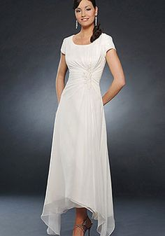 Beautiful White Short Sleeves Pleated Chiffon Mother Of Groom And Bride Dress on sale, a perfect Mother of the Bride Dresses with high quality and nice design. Buy it now or discover your Mother of the Bride Dresses Mob Dresses, Tea Length Dresses, Modest Wedding Dresses, Wedding Party Dresses, Dresses Online, Fashion Dresses, Bridesmaid Dresses, Dresses With Sleeves, Bride Dresses