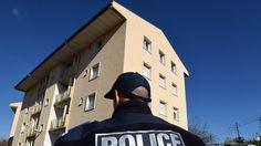 Une vingtaine de jeunes cagoulés et armés ont saccagé un appartement, des voitures et des halls d'immeuble, terrorisant les habitants sur leur passage, le 14 janvier au soir. La police, en sous-effectif, n'est arrivée qu'1h30 après les faits.