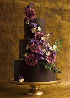 Wedding Cakes That WOW from Lina Veber Cake - MODwedding #chocolateweddingcakes