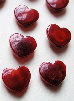 Vintage deep red little hearts. Heart In Nature, Heart Art, Heart Button, Button Art, I Love Heart, Happy Heart, My Favorite Color, My Favorite Things, My Heart Is Breaking
