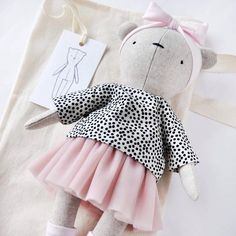 Longsleeve with tutu/dots with dusty pink 👌🏻 Handmade Stuffed Animals, Easy Baby Blanket, Fabric Toys, Dress Up Dolls, Sewing Projects For Kids, Cat Doll, Little Doll, Waldorf Dolls, Sewing Toys