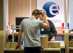 Selon Le Canard Enchaîné, le directeur de l'informatique de l'organisme cumulait salaire et indemnités chômage.