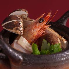 Teapot-steamed broth with matsutake mushrooms