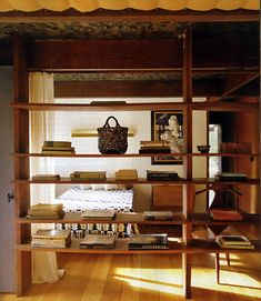 IIIINSPIRED: space _ valley home with asian influences ___ The Russel Wright Design Center, my scans from The World of Interiors mag, April 2012.
