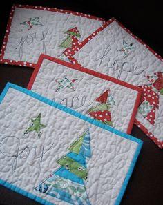 Ideas Crochet Christmas Placemats Place Mats Mug Rugs Christmas Mug Rugs, Christmas Patchwork, Christmas Placemats, Cute Christmas Gifts, Christmas Sewing, Christmas Crafts, Christmas Quilting, Crochet Christmas, Christmas Tree