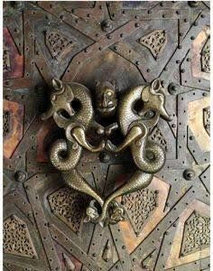 The doors of the Cizre-Great Mosque in Anatolia in Turkey – which was built in 1160 – hold two dragon door knockers.