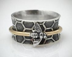 Sterling Silver and Gold Bee Spinner Ring, Bee Ring, Honeycomb Jewelry Bee Ring, Ring Verlobung, Sterling Silver Jewelry, Silver Earrings, Earrings Uk, Silver Necklaces, 925 Silver, Honey Bee Jewelry, Jewelry Accessories