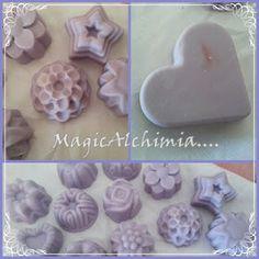 MagicAlchimia Auto-produzioni Cosmetiche: Sapone semplice alla lavanda (lucy) Savon Soap, Soap Bubbles, Cosmetics, Homemade, Shampoo, Christmas, Crafts, Organic Beauty, Diet