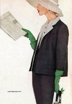 Vintage Fashion Harper's Bazaar March, Richard fashion - Photo by Richard Avedon Look Retro, Look Vintage, Vintage Glam, Vintage Green, Richard Avedon, Vogue Vintage, Fifties Fashion, Retro Fashion, Vintage Fashion
