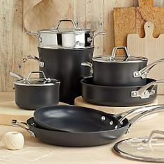 Williams Sonoma Features A Complete Selection Of Calphalon Cookware One And Contemporary Nonstick