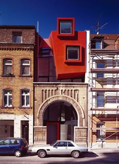 """beconinriot: Manuel Herz architects """"Legal / Illegal Architecture"""" A small building in a suburb of Cologne. Parasitic Architecture, Architecture Old, Creative Architecture, Shop Architects, Roof Extension, Adaptive Reuse, Small Buildings, Built Environment, Location"""