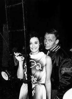 Frank Sinatra and Raffaella Carrà during filming of Von Ryan's Express (1965)