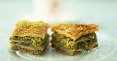Greek Baklava with Honey and Pistachios I had to post this to feel better about that bacon post. I make an awesome Baklava. Greek Baklava, Turkish Baklava, Lebanese Recipes, Turkish Recipes, Honey Recipes, Greek Recipes, Pistachio Baklava, Pistachio Cake, Pistachio Recipes