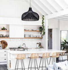Home Interior Bathroom Boho Kitchen, Home Decor Kitchen, New Kitchen, Beach House Kitchens, Home Kitchens, Coastal Kitchens, Modern Kitchen Design, Interior Design Kitchen, Modern White Kitchens