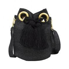 HIPPY JEANS BAG BY MONIQUE http://www.wayuumochila.nl/winkel/hippie-wayuu-bag-by-mo-nique/jeanswayuu-bag-by-mo-nique-black-jeans/