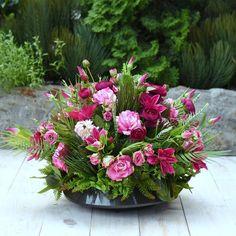 Casket, Floral Arrangements, Floral Wreath, Wreaths, Plants, Diy, Photography, Inspiration, Decor
