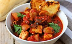 <p>This hearty and rustic soup was inspired by the traditional fish version, which originated in San-Francisco.</p>
