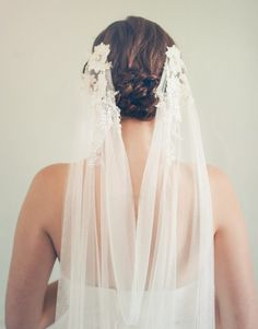 Beautiful veil from Jannie Baltzer's 2015 Collection