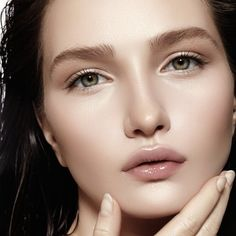 Τα tips της beauty editor για υπέροχη επιδερμίδα (χρειάζεσαι συμπλήρωμα διατροφής για τέλειο δέρμα;) Η beauty expert αποκαλύπτει τα πιο σημαντικά tips για ολική επαναφορά στην επιδερμίδα. Γράφει: Σοφί