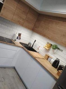 Easy Minimalist Kitchen Remodel Ideas On A Budget - Modern Kitchen Kitchen Room Design, Kitchen Cabinet Design, Modern Kitchen Design, Home Decor Kitchen, Interior Design Kitchen, New Kitchen, Home Kitchens, Kitchen Colors, Kitchen Ideas