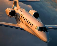 Are you interested in chartering a private jet? Over the past few years, the popularity of private jet charters has increased. Jets Privés De Luxe, Luxury Jets, Luxury Private Jets, Private Plane, Avion Jet, Dassault Falcon 7x, Jet Privé, Jet Engine, Civil Aviation