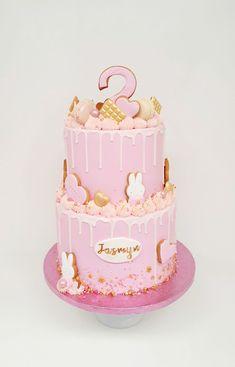 Miffy Cake, Birthday Ideas, Birthday Cake, Kid Cupcakes, Drip Cakes, First Birthdays, Fondant, Cake Decorating, Pasta